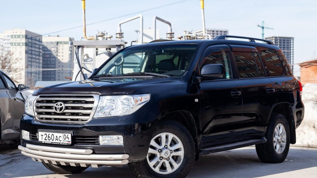 Land Cruiser Rent a Car in Lahore